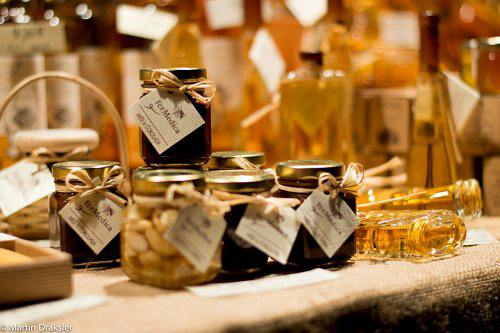 about us Honey brandy, honey, mead, wax candles, honey wedding gifts, honey business gifts