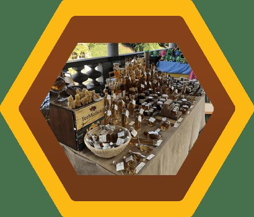 Med in žganje, med z dodatki, darilni seti v lični embalaži fermedica